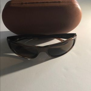 Tommy Hilfiger sunglasses with case